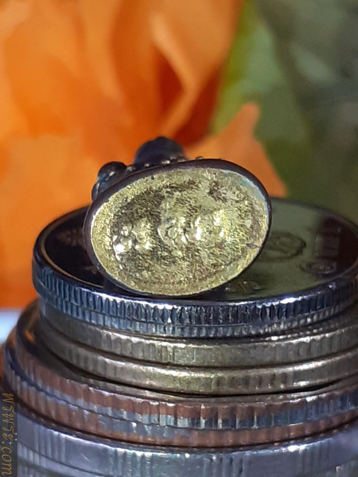 Phra Kring Chaiwat Reign, Mara Vichai posture, golden pin, cover plate under the gold base, Chan Yan, ring ring, Phra Sai Wang/พระกริ่ง ชัยวัฒน์ รัชกาล ปางมารวิชัย หมุดทอง แผ่นปิดใต้ฐานทอง จารย์ยันต์ กริ่งดัง พระสายวัง